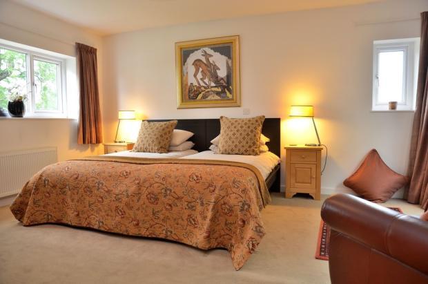 Bedroom 4 (guest ...
