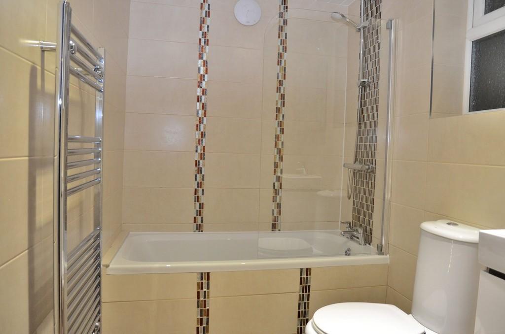 Modern Bathroom w...