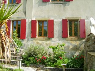 Character Property for sale in Belveze Du Razes...