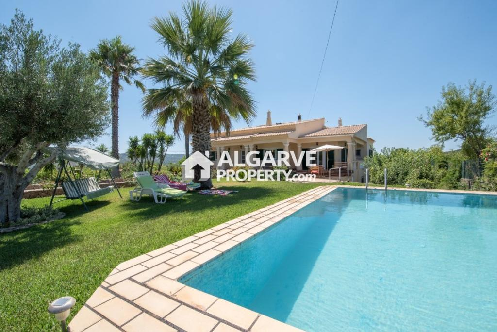 5 bed Villa for sale in Loulé,  Algarve