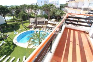 2 bedroom Apartment for sale in Vilamoura,  Algarve