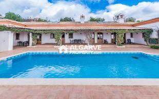 Boliqueime Villa for sale