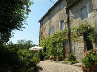 3 bedroom Character Property in Tuscany, Lucca, Lucca