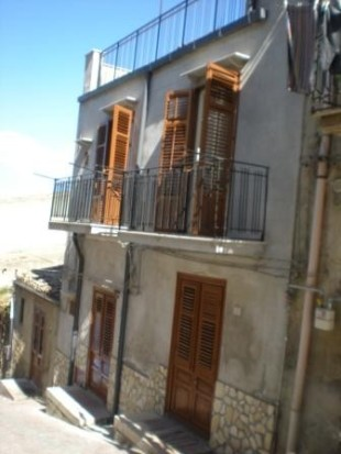 4 bed Terraced house for sale in Sicily, Palermo...