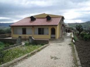 6 bed Villa for sale in Sicily, Caltanissetta...