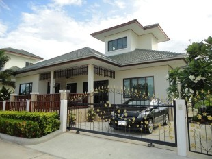 3 bed Detached house for sale in Hua Hin