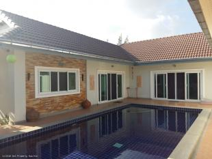4 bed Villa for sale in Hua Hin