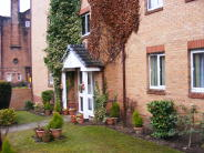 Ground Flat to rent in Golfhill Drive, Glasgow...