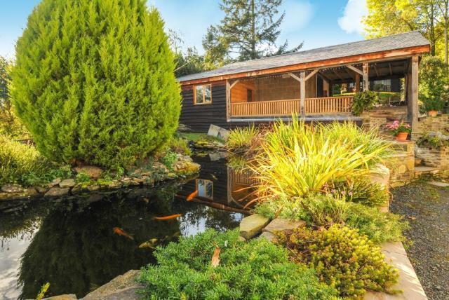Gardens, pond and workshop/carport