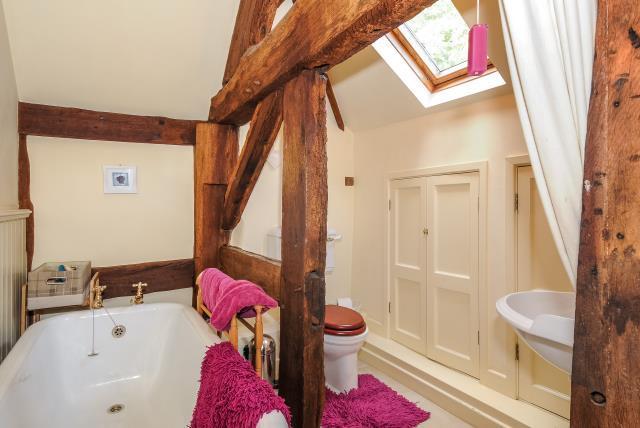En-suite Bathroom to  Bedroom