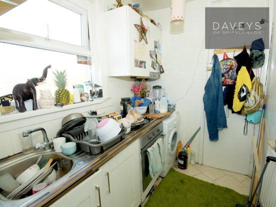 69PORTWAY-kitchenb.j