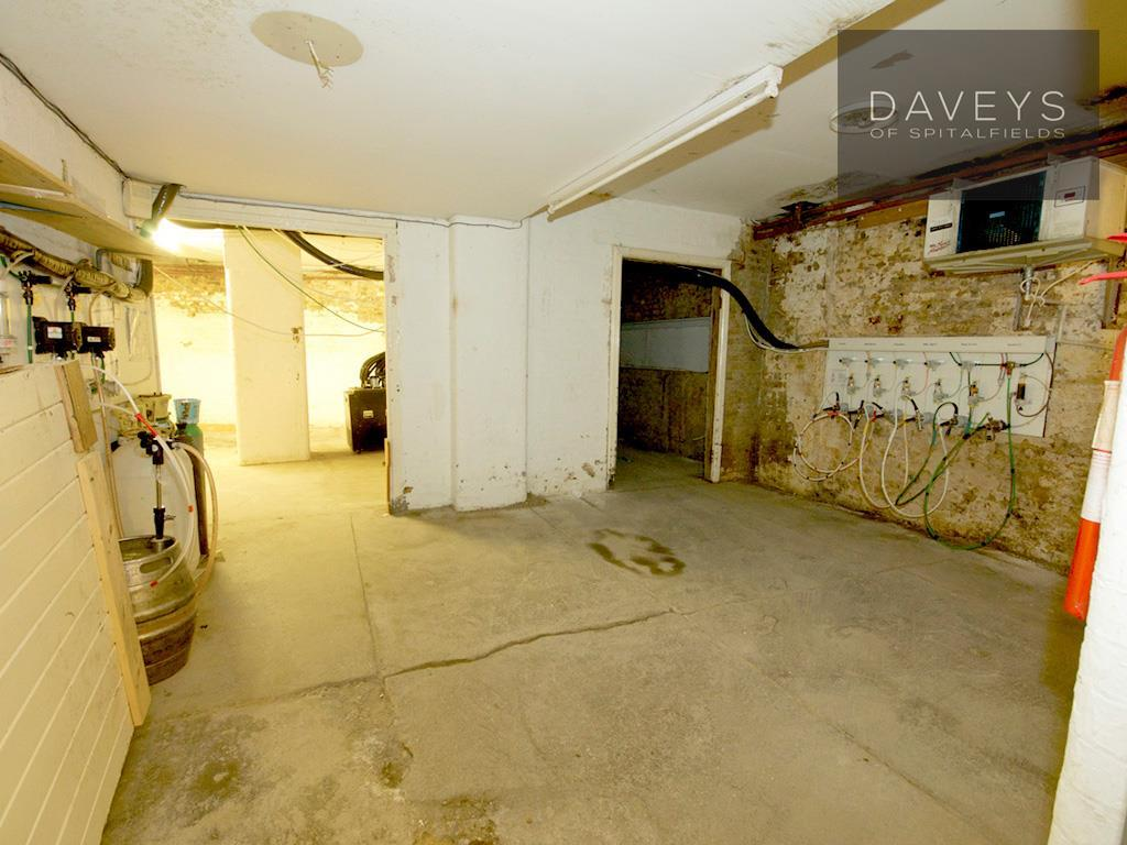 WOOLWICH-basement1.j