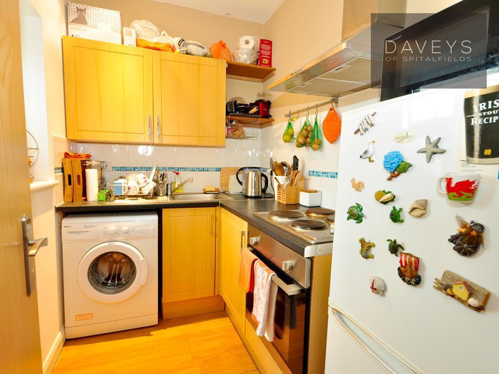 11BUXTON-kitchen.jpg
