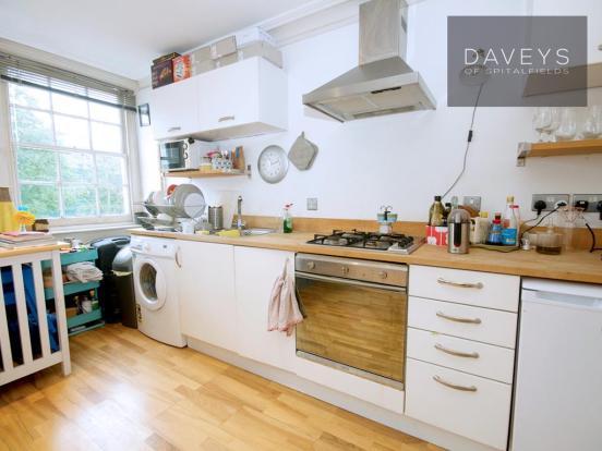 3-345HACKNEY-kitchen