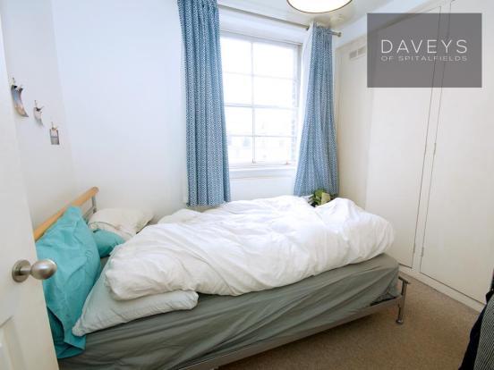 3-345HACKNEY-bed.jpg