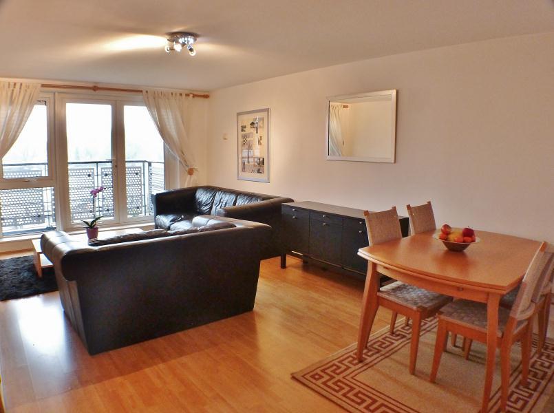2 Bedroom Apartment To Rent In Garricks House Kingston