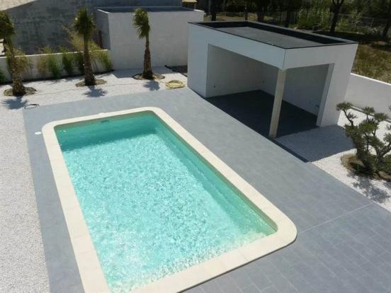 Swimming pool and