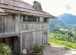 4 bed home for sale in Large farmhouse in 3ha...
