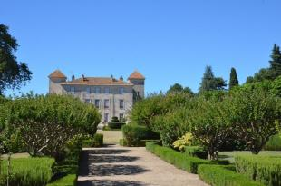 Amazing Chateau on 98 acres and Additionnal Buildings Manor House