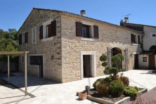 3 bed home in Lovely Renovated Stone...
