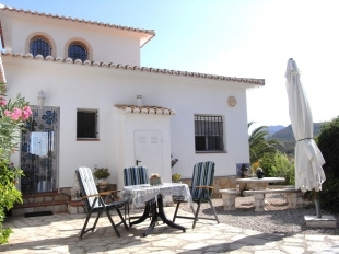 Semi-Detached Bungalow for sale in Valencia, Alicante, Denia