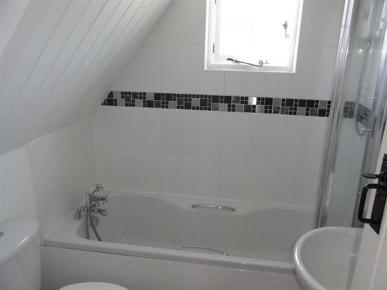 RIMG Bathrm.JPG
