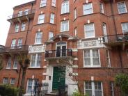 3 bedroom Flat to rent in Kensington Hall Gardens...