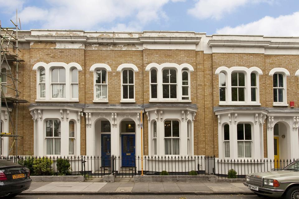 3 bedroom terraced house for sale in Lichfield Road ...