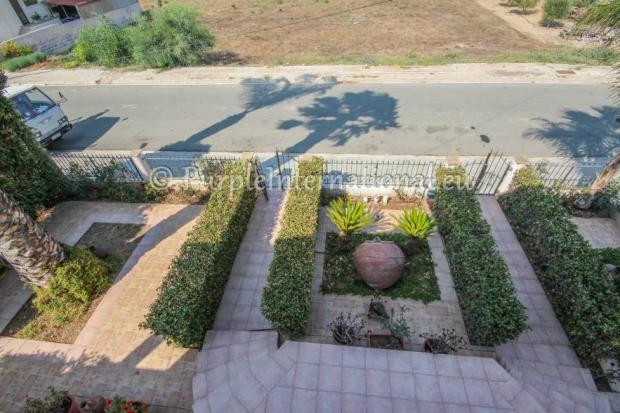 View to front Garden