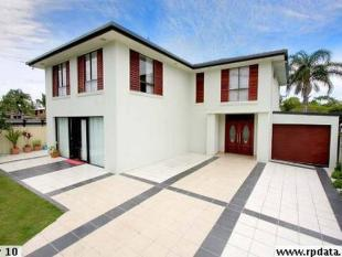 5 bedroom house for sale in 316 Bayview Street...
