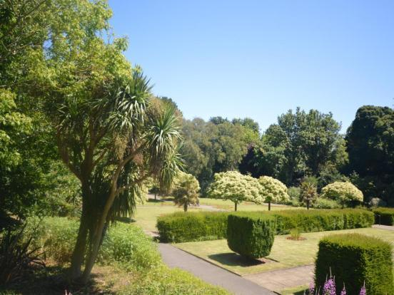 Kingsnorth Gardens