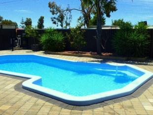 3 bed property for sale in 38 Jipse Crescent...
