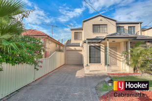 3 bedroom property in 30 Coolibar Street...