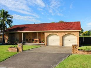 4 bed property for sale in 9 Patanga Close...
