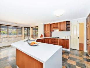 5 bedroom house for sale in 33 Templestowe Avenue...