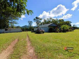property for sale in 870 Granadilla Road, GRANADILLA 4855