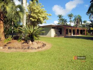 4 bed property for sale in 17 Lloyd Bell Road...