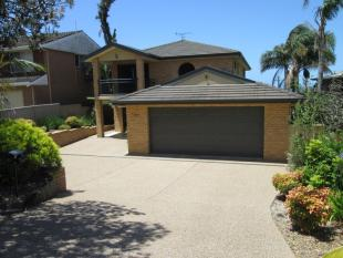 4 bed house in 228 Hector McWilliam...