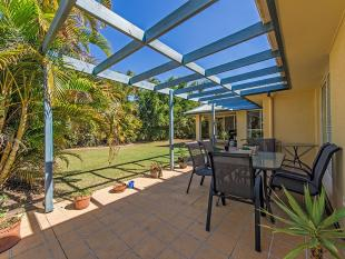 4 bedroom house in 17 Fantail Place...