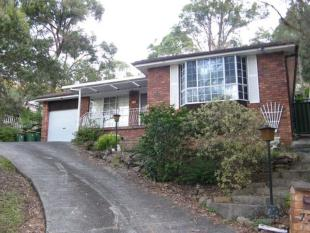 3 bed property for sale in 77 Greenhaven Dr...