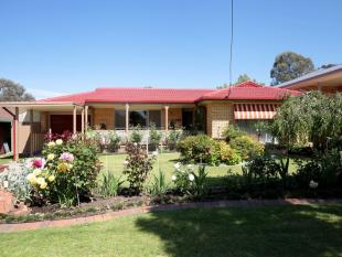3 bedroom house in 34 Fairbairn Crescent...