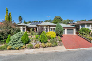 11 St Buryan Crescent property for sale