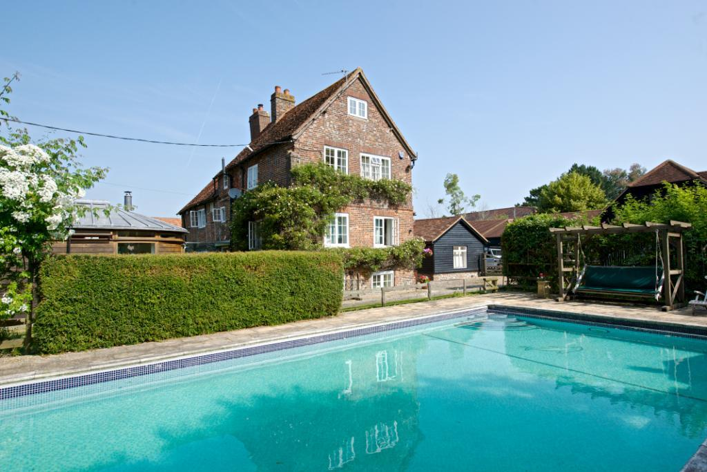 5 bedroom character property for sale in crowbrook road - Princess risborough swimming pool ...