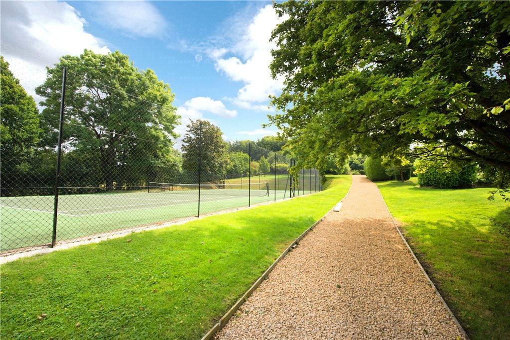 Tennis Court/Gardens