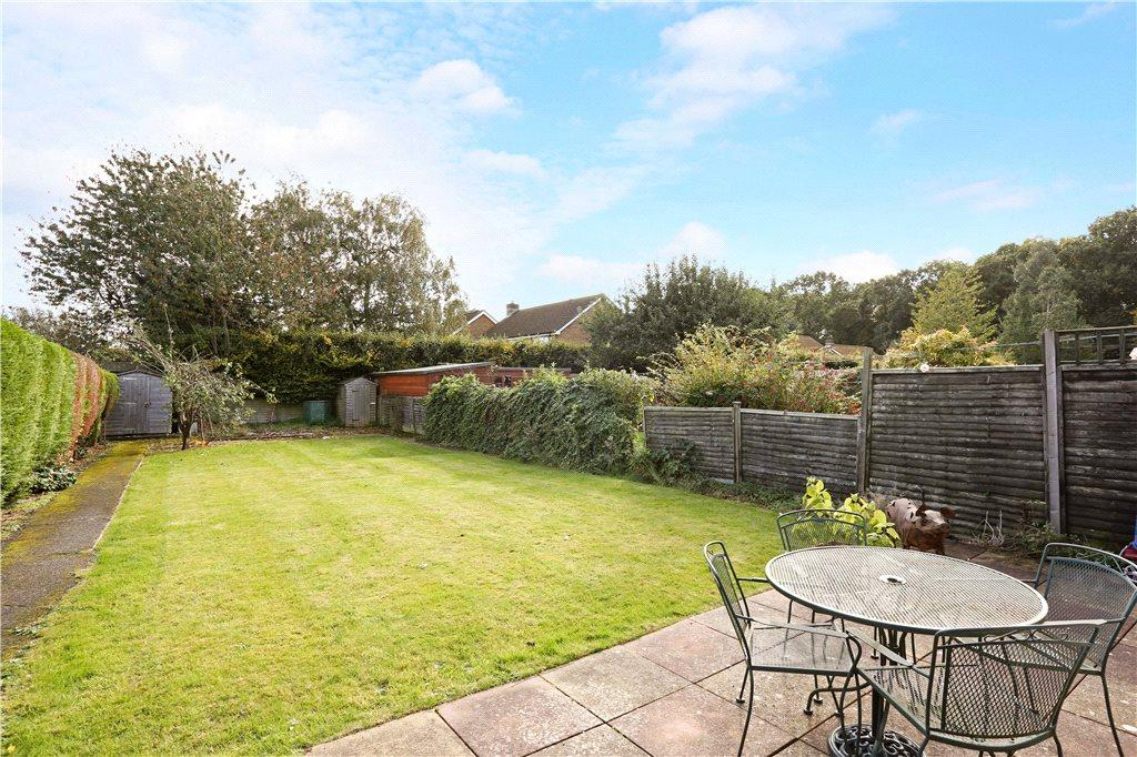 Landscape Gardening High Wycombe : Bedroom semi detached house for sale in moseley road