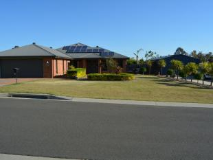 5 bedroom home for sale in 37 Lyons Crescent...