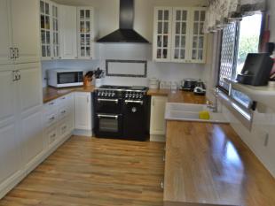 property for sale in 123 Pratten Street...