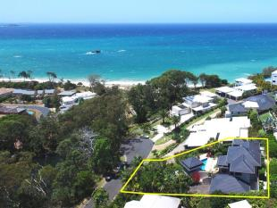 4 bedroom property for sale in 22 Breakers Way...