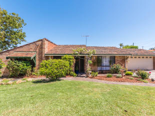 4 bed home in 7 Kingsford Drive...