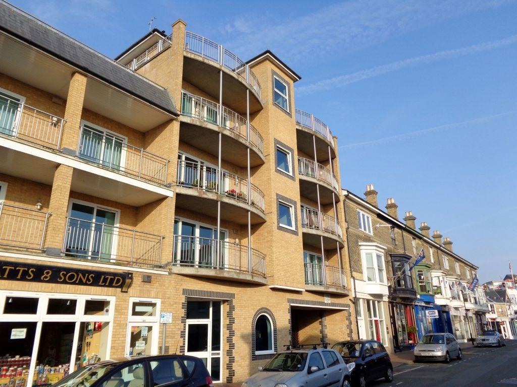 2 bedroom apartment for sale in birmingham road cowes